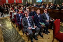Năm cựu thủ lĩnh vùng Catalonia được dự phiên họp khai mạc Quốc hội Tây Ban Nha