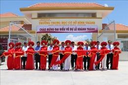 Phó Thủ tướng Trương Hòa Bình dự khánh thành Trường THCS Bình Thành (Long An)