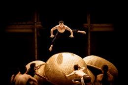 Kịch xiếc nghệ thuật Việt Nam lần đầu trình diễn tại Nhà hát 'Con Sò Sydney'