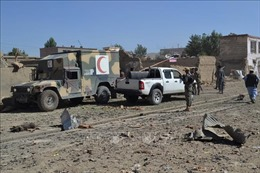 Taliban đánh bom xe ở miền Trung Afghanistan, hàng chục người thương vong