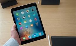 Lần đầu tiên iPad thay giấy tờ tại cuộc họp HĐND tỉnh Quảng Ninh