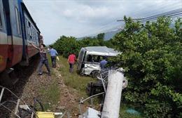 Xác định danh tính nạn nhân vụ tàu hỏa đâm xe 16 chỗ tại Bình Thuận