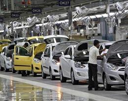 Ngành công nghiệp ô tô Ấn Độ chìm trong khủng hoảng