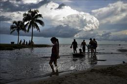 Sét đánh tử vong 5 người đang tắm biển