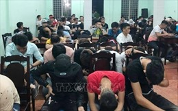 Đột kích quán bar Ozone ở Biên Hòa, phát hiện 145 'dân chơi' dương tính với ma túy