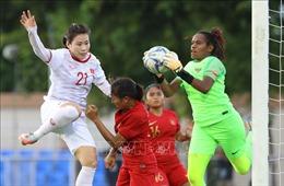 Nữ Việt Nam tạo mưa bàn thắng, HLV Mai Đức Chung vẫn 'khát'