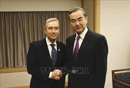 Canada hối thúc Trung Quốc giải quyết vụ giam giữ hai công dân Canada