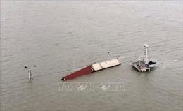Chìm tàu chở hàng Iran, nhiều người thiệt mạng và mất tích