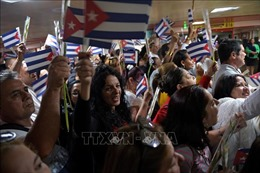 Chính quyền Bolivia phóng thích 4 nhân viên y tế Cuba