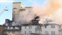 Hỏa hoạn phá hủy khu nghỉ dưỡng 117 năm tuổi ở Mỹ