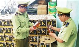 Bắt quả tang vụ vận chuyển hơn 3.100 chai rượu ngoại nhập lậu