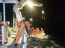 Cấp cứu thuyền viên bị nạn trên vùng biển Đà Nẵng