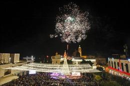 Người hành hương đổ về Bethlehem mừng Giáng sinh