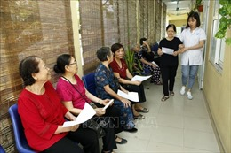 Thích ứng với già hóa dân số - Bài 1: Tập trung chăm sóc sức khỏe người cao tuổi