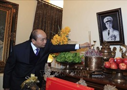 Thủ tướng dâng hương tưởng nhớ lãnh đạo Đảng, Nhà nước