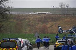 Tàu cao tốc TGV trật bánh khiến hàng chục người bị thương