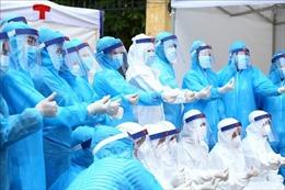 Bộ Y tế yêu cầu không bố trí nhân viên y tế mang thai tháng cuối tham gia chống dịch