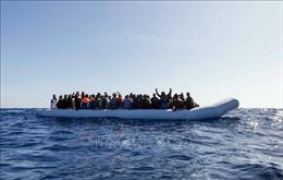 Một xuồng cao su chở 85 người di cư mất tích ở Địa Trung Hải