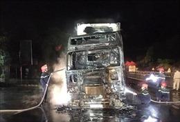Xe container cháy trên Quốc lộ 1A đoạn qua Diễn Châu (Nghệ An)