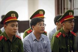 Vụ gian lận điểm thi tại Hòa Bình: Bị cáo Khương Ngọc Chất và Nguyễn Quang Vinh chối tội