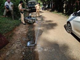 Va chạm với xe tải, hai nữ sinh gặp nạn khi đang trên đường đến trường