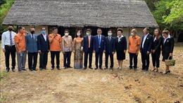 Các hoạt động kỷ niệm 130 năm ngày sinh Bác tại Lào và Thái Lan