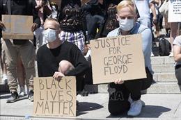 Biểu tình phản đối bạo lực sắc tộc lan sang Canada, Anh và Đức