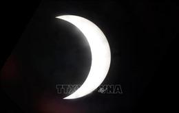 Kỳ thú hình ảnh nhật thực một phần tại Hà Nội