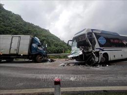 Hai vụ tai nạn giao thông liên tiếp trong vòng 9 phút tại Thung Khe, Hòa Bình