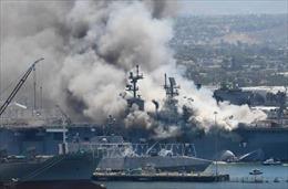 Cháy nổ trên tàu chiến USS Bonhomme Richard, một số thủy thủ bị thương