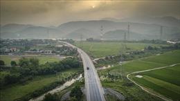 Kiểm tra tình trạng xe quá tải hoạt động trên tuyến Hòa Bình - Hòa Lạc