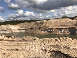 Xử phạt 100 triệu đồng, tịch thu nhiều phương tiện khai thác khoáng sản không phép