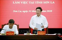 Phó Thủ tướng Phạm Bình Minh làm việc tại Sơn La