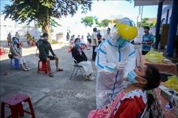 Đà Nẵng xét nghiệm COVID-19 cho người dân Phú Yên trước khi trở về nơi cư trú
