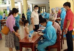 Xét nghiệm COVID-19 cho trên 700 du khách chuẩn bị rời Đà Nẵng
