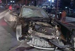 Xe Lexus đâm liên hoàn lúc nửa đêm tại Hải Phòng khiến một người tử vong