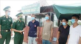 Cứu nạn kịp thời 8 người trên tàu cá bị chìm ở vùng biển Quảng Bình