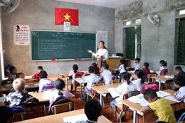 Xã hội hoá sách giáo khoa và những chiêu 'lách luật'