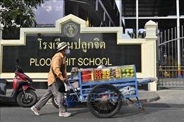 Thái Lan phát tiền mặt hỗ trợ tiểu thương, người bán hàng rong
