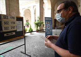 Italy tiến hành bầu cử địa phương và trưng cầu ý dân về cải cách hiến pháp
