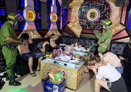Kiểm tra quán karaoke, phát hiện 7 thanh niên dương tính với chất ma túy