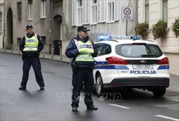 Một cảnh sát bị bắn ngay trước cửa trụ sở Chính phủ Croatia