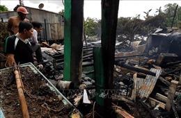 Hỏa hoạn giữa trưa thiêu rụi 3 nhà dân tại huyện biên giới Hồng Ngự