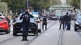 Tấn công bằng dao tại Pháp khiến ít nhất 2 người thiệt mạng