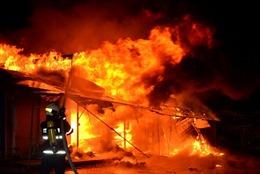Kịp thời dập tắt vụ cháy tại một xưởng mộc ở Nam Định