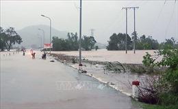 Huyện miền núi Đồng Xuân (Phú Yên) bị cô lập hoàn toàn do nước lũ