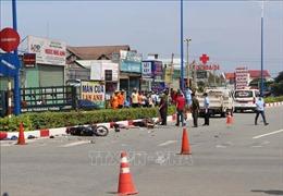 Xe máy cố vượt đèn đỏ gây tai nạn khiến 1 người tử vong, 2 người nguy kịch