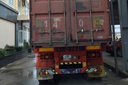 Chặn xe đầu kéo vận chuyển hàng lậu từ Hải Phòng vào TP Hồ Chí Minh