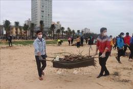 Tuổi trẻ Quảng Bình ra quân làm vệ sinh môi trường