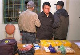Bắt đối tượng vận chuyển 66.000 viên ma túy tổng hợp